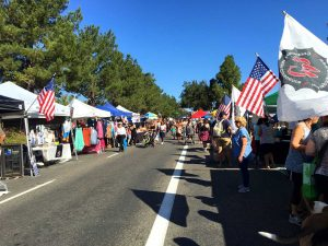 Moorpark Road fills with vendors in the street. Photo by Nicki Schedler- Reporter
