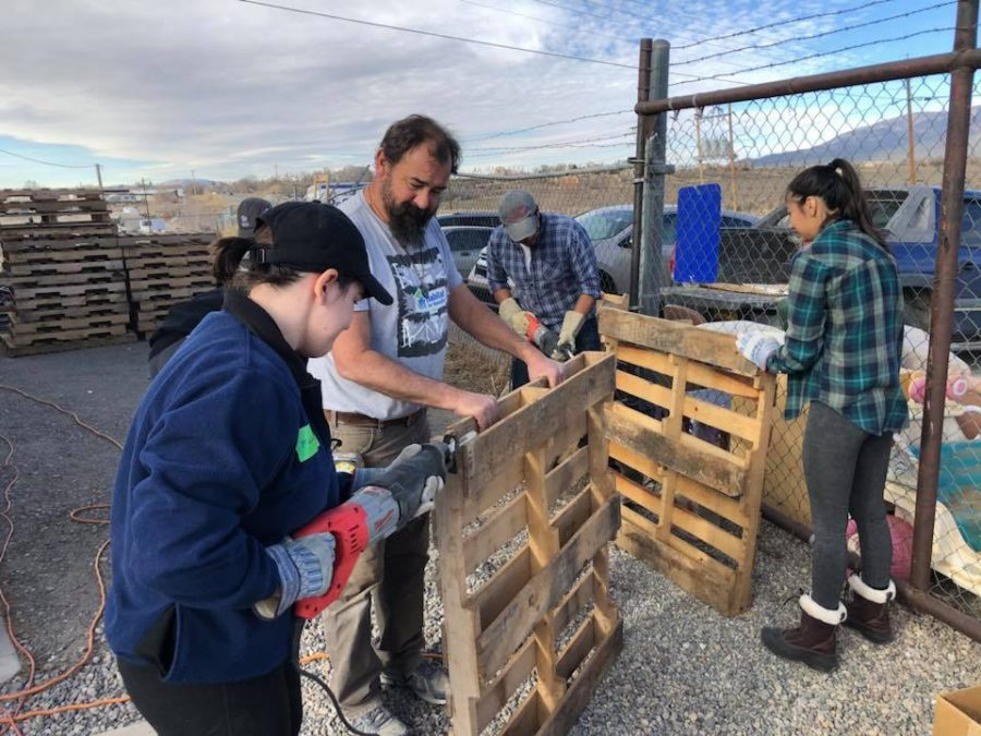 Building homes: Members on the Alternative Break working in Taos, New Mexico Photo provided by Madeline Liberti