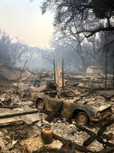 The aftermath: The Woolsey Fire decimated one side of the road in the Oak Ridge Estates. Photo by Arianna Macaluso - Photo Editor