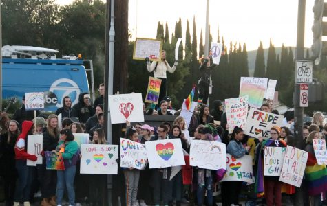 Westboro Baptist Met With Counter-Protest From Thousand Oaks Community