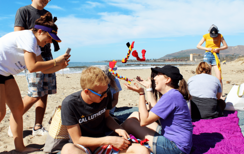 Students clean up Ventura Beach