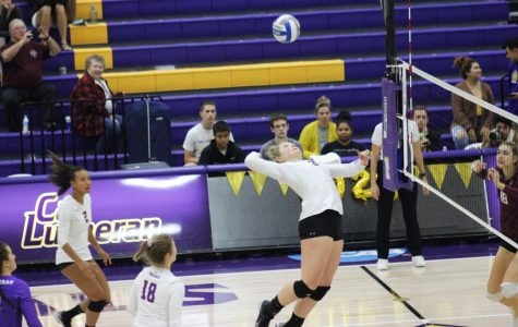 Regals Volleyball Sweep Redlands Bulldogs on Senior Night