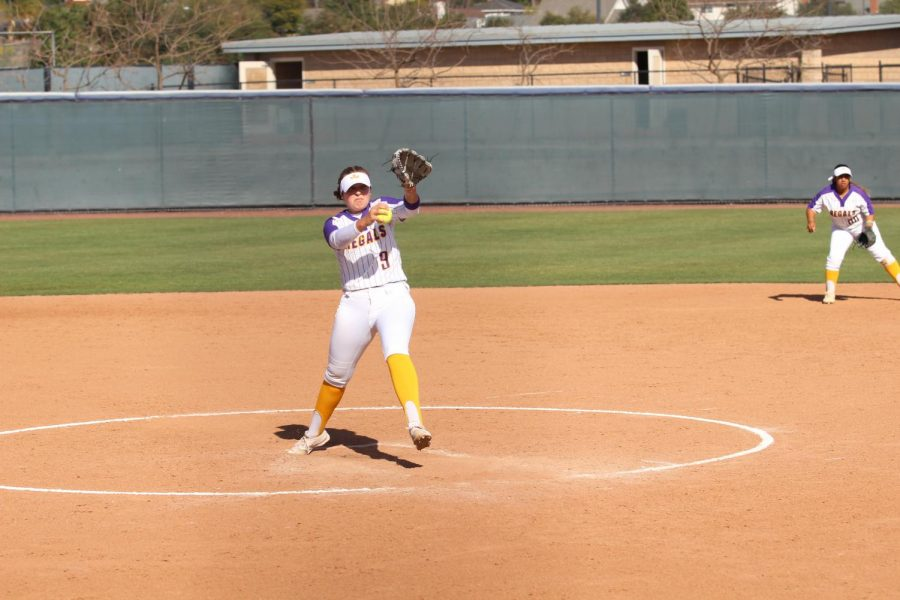 Junior pitcher Meghan Henry makes an aggressive pitch to Pomona-Pitzer.