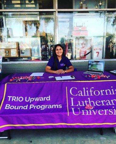 """Laura Reyes, trabaja en el programa conocido como Upward Bound, actualmente está haciendo su maestría en consejería escolar en Cal Lutheran. Reyes viene de una familia en donde su madre la apoyó en sus estudios, mientras que su padre pensó que se dedicaría """"a cortar pelo o hacer uñas."""""""