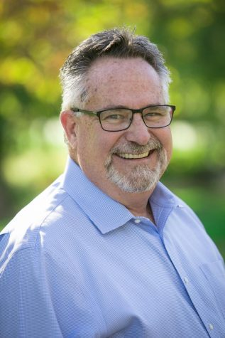 El pastor universitario Scott Maxwell-Doherty se jubilará