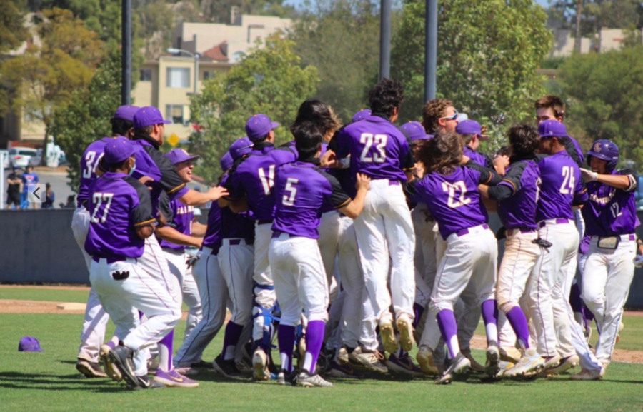 In+home+opener%2C+the+Kingsmen+baseball+team+defeated+Redlands+Bulldogs+in+a+three+game+series.+