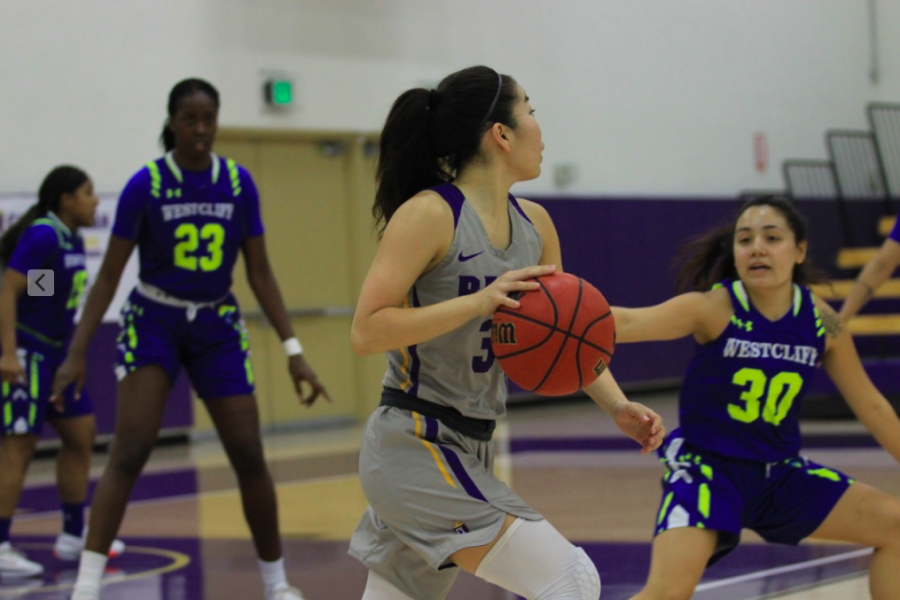 Junior+Regals+basketball+point+guard%2C+MacKenzy+Iwahashi+will+be+stepping+into+a+leadership+on+the+team+going+into+her+senior+year.+
